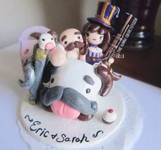 This listing is for a cake topper that is fully customizable. The pictures I have provided are examples of my previous works. I make these with