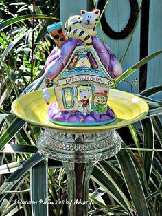 Kitty Cottage Garden Totem Stake / Garden by GardenWhimsiesByMary
