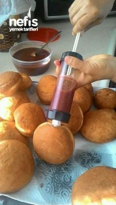 Making Berliner – Delicious Recipes - Top Of The World Donut Recipes, Cake Recipes, Dessert Recipes, Tasty, Yummy Food, Delicious Donuts, Delicious Recipes, Recipe Mix, Turkish Recipes