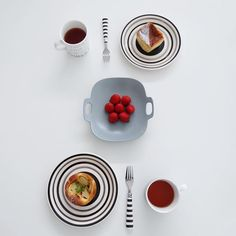 食卓に笑顔が溢れるデザイン。「イイホシユミコ」さんの器で食卓を彩る | folk