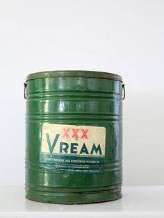 vintage 30s large Vream shortening can