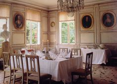 Gustavian dining room