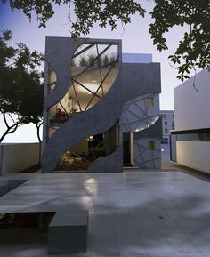 "modern villa in KSA for: ""HBH Consultants"" Main Door Design, Facade Design, Exterior Design, Narrow House Designs, Modern House Design, Office Building Architecture, Architecture Design, Bubble House, 3d Interior Design"
