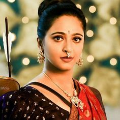 In this article, we will take you to the Top 10 Most Gorgeous and Sexiest South Indian Actresses From the South Indian Film Industry. These Includes Tamil and Telugu. Anushka Shetty Bahubali, Anushka Shetty Saree, Beautiful Girl Indian, Most Beautiful Indian Actress, Beautiful Actresses, Actress Anushka, Bollywood Actress, Bollywood Fashion, Prabhas And Anushka
