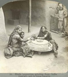 When Pictures Get Mob!: India history in 1900 rare photos Rare Photos, Vintage Photographs, Old Photos, Vintage Photos, Black History Inventors, History Of India, Asian History, British History, Vintage India