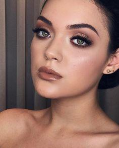 """3,908 curtidas, 58 comentários - B R I G I TT E C A L E G A R I (@brigittecalegari) no Instagram: """"Aquela maquiagem que embeleza 💛 . . A G E N D A  CURSO DE APRIMORAMENTO - 03 dias / 24h TÉCNICAS…"""""""
