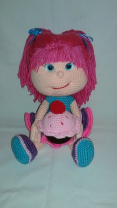 KATE Crochet Amigurumi Doll with Cupcake and 2 by ToledosTalents Pattern by: HavvaDesigns, Havva Unlu