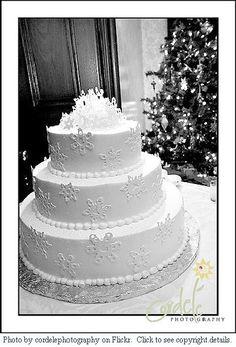 Snowflake Wedding Cake - Winter Weddings
