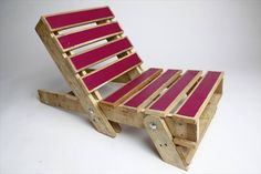 chair, garden ideas, recycled pallet, upcycled Original and colored chairs for your garden made from upcycled pallets. The shape of the chairs looks comfortable (with some pillows of course!) and I love the idea of the different colors that gives a design touch to those chairs!     More