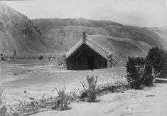 Early New Zealand Photographers: Hinemihi meeting house at Te Wairoa, after the Mt Tarawera eruption Nz History, Local History, Polynesian People, Maori Designs, State Of Arizona, Castle Wall, Maori Art, Kiwiana, Religious Studies