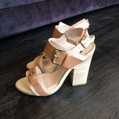 Gostam de salto? Sim ou Não pra essa sandália? #koquini #sapatilhas #euquero #sandalias Veja mais em: http://koqu.in/GNdda0