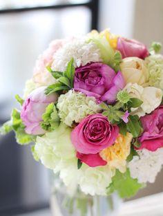 kukkaのウエディングフラワーブック-ピンク,黄色,バラ,クラッチブーケ