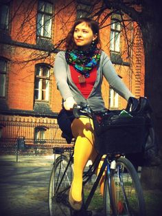[571] Cycle Chic | Shared from http://hikebike.net