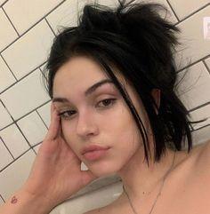 Maggie Lindemann, Pretty People, Beautiful People, Trendy Haircut, Lob Haircut, Photographie Portrait Inspiration, Alternative Makeup, Bad Girl Aesthetic, Grunge Hair