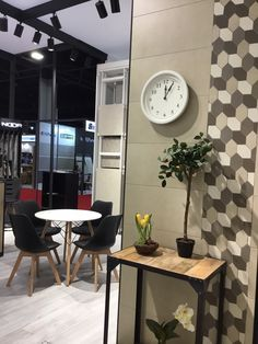 Uno de nuestros ambientes de nuestro stand en Covering's18 www.noorceramics.com #noorceramics #ceramica #azulejo #pavimento #revestimiento #fliesen #coverings18