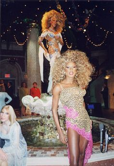 He is RuPaul. He's a cultural icon, and an inspiration to many. Best Drag Queens, Rupaul Drag Queen, King Club, Club Kids, Vintage Couture, Amazing Women, Supermodels, Evolution, My Girl