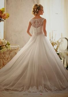Maravilhoso! Mori Lee - coleção 2013 #inspiracao #vestidodenoiva #elegante #casare #sistesdecasamento