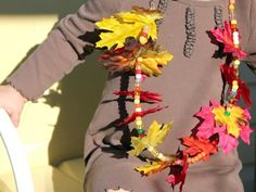 Autumn Leaf Necklace | Kids Crafts & Activities for Children | Kiwi Crate