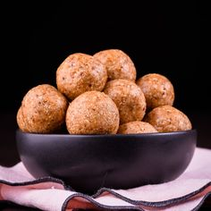 Date, Coconut and Chocolate Free Bliss Balls