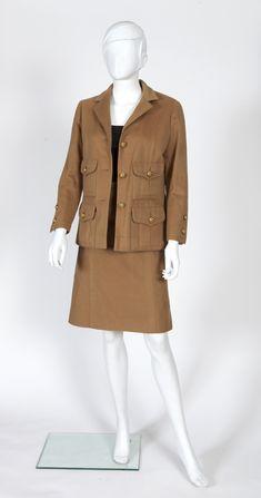 Chanel Haute Couture N°48534,48536 Tailleur en 100% cachemire camel composé  d eb076dc95db