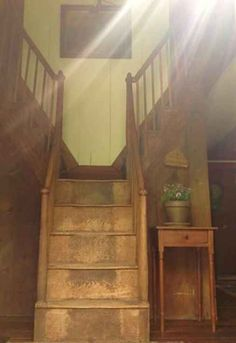 c. 1780 Cape Cod – Cornish, ME  Reminds me of my old cottage in N.H.  I loved that good morning staircase.