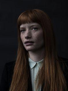 PORTRAITS / WOMEN - SARKI