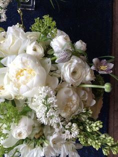 Flowers such as peonies and ranunculus make me want to get married in early June...