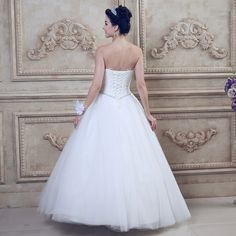 2015 new wedding dress V-neck sexy transparent Bra straps trailing retro princess bride wedding palace