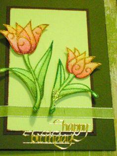 Diesen Blumengrüß hat Theodora gebastelt. Wenn ihr auch eine Frühlings-Karte gestalten wollt, dann schaut vorbei! Happy Birthday, Frame, Decor, Gift Cards, Cards, Flowers, Happy Aniversary, Decoration, Happy B Day