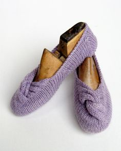 Another cute slipper from Coco Knits..although it would be better in  a snazzier color1