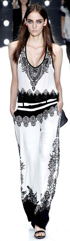 Roberto Cavalli Black and White  #blackandwhite #whiteandblack #BlackWhiteFashion