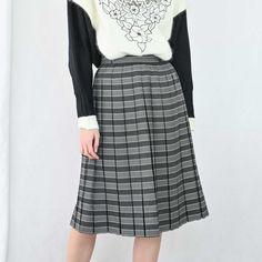 VIN-SKI-04924 Vintage πλισέ φούστα XS-S Waist Skirt, High Waisted Skirt, Vintage Skirt, Skirts, Fashion, Moda, High Waist Skirt, Fashion Styles, Skirt