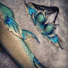 Dark peacock themed silicone mermaid tail and too set by Merbella Studios Mermaid Fin, Mermaid Tale, Dark Mermaid, Real Mermaids, Mermaids And Mermen, Mythical Creatures, Sea Creatures, Realistic Mermaid Tails, Professional Mermaid