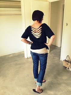 "Wobisobi: No Sew, Tee-Shirt DIY #4 Liera     can't wait to buy me a ton of ""bigger"" plain shirts to remake :))"