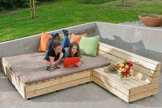 Why Teak Outdoor Garden Furniture? Cheap Patio Furniture, Outdoor Garden Furniture, Country Furniture, Cool Furniture, Furniture Stores, Painting Wooden Furniture, Black Bedroom Furniture, Pallet Furniture, Living Furniture