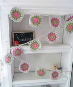 Crochet Bunting - Garland - Banner in Granny Square Pastels NEW Crochet Chain, Love Crochet, Crochet Granny, Baby Blanket Crochet, Crochet Motif, Crochet For Kids, Knit Crochet, Crochet Ideas, Crochet Bunting