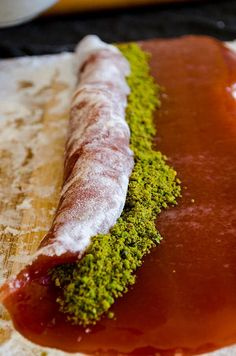 Arabic Dessert, Arabic Sweets, Arabic Food, Ramadan Sweets, Sweets Recipes, Candy Recipes, Cooking Recipes, Homemade Turkish Delight, Turkish Sweets
