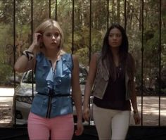 Pretty Little Liars - Hanna's outfit is the bomb!!