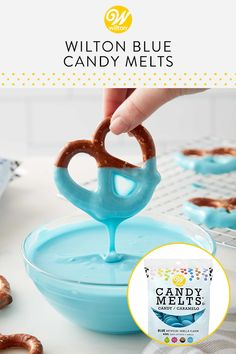 The sweet possibilities are endless with these easy-melt vanilla-flavored blue wafers. Use them to dip strawberries, drizzle them on pretzels or mold Bonbons Baby Shower, Baby Shower Sweets, Baby Shower Favors, Food For Baby Shower, Baby Shower Cupcakes For Boy, Baby Shower Candy, Best Baby Shower Gifts, Baby Showers, Baby Shower Simple