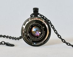 Vintage Camera Lens Necklace Black Bronze Red Graflex Lens Pendant Camera Pendant Gift for Photographer Photography Not an Actual Lens REAL LEN Cute Jewelry, Jewelry Box, Vintage Jewelry, Jewelry Accessories, Fashion Accessories, Jewelry Necklaces, Jewelry Making, Unique Jewelry, Jewlery