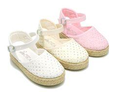 Tienda online de calzado infantil Okaaspain. Alpargata de lona con con brillos en algodón para niñas . Diseño y Calidad al mejor precio hecho en España. Envíos gratis en 24,48 horas laborables.