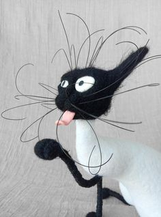 Silly Cat / Felting wool / Staffed Toy   Etsy Silly Cats, Felt Animals, Cat Art, Wool Felt, Disney Characters, Fictional Characters, Sculptures, Felting, Pets