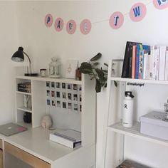Study Room Decor, Cute Room Decor, Room Ideas Bedroom, Small Room Bedroom, Bedroom Decor, Pinterest Room Decor, Dorm Room Bedding, Small Room Design, Aesthetic Room Decor