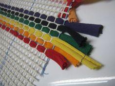 Easy Peasy Tshirt Yarn Canvas Rug Making Kit 30 by 36 inches #Weirdtraffic