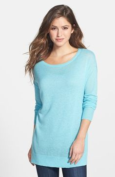 Free shipping and returns on Halogen® Side Slit Cashmere Tunic Sweater (Regular & Petite) at Nordstrom.com. Decadently soft cashmere takes easy form in a long-sleeve tunic topped with a feminine scoop neckline and finished with breezy side slits in the high/low hem. In black