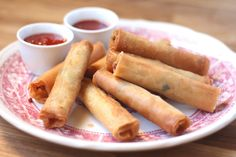 Barefeet In The Kitchen: Filipino Lumpia  Not a big fan of fried foods but this sounds so good and love Lumpia.