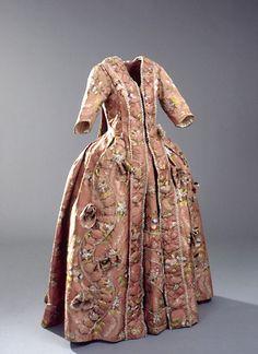 Pink silk brocade dress and matching petticoat (front), Danish, c. 1778.