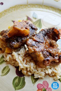 // //  Easy Oxtail Recipe – Slow Cooker This was a recipe I came up with because I couldn't find an easy oxtail recipe online that didn't require me to milk a small goat to …