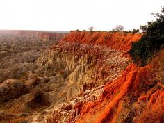 angola-Valley of the Moon