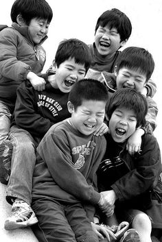 Laughter and it's joyous sound,,love this. Happy Smile, Smile Face, Make You Smile, Happy Faces, I'm Happy, Beautiful Smile, Beautiful Children, Life Is Beautiful, Smiles And Laughs